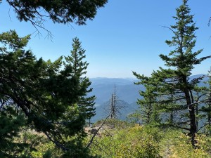 There are great viewpoints all along the trail!
